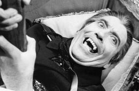 """Christopher Lee: un omaggio a """"Dracula il Vampiro"""""""