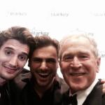 2Cellos con George W Bush - Selfie